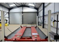 MOT JUST from £19.99 SERVICE FROM £39.99 OPEN 7 DAYS UNTIL 11:00PM, Mechanic PICK AND DROP POSSIBLE