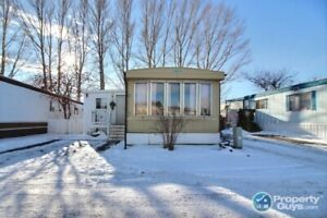 Open and Bright! UPDATED 3 bdrm modular home