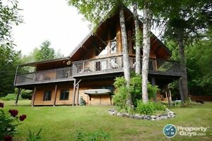 REDUCED! Stunning 5 bed family home + acreage New Denver 197543