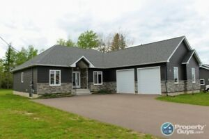 OUTSTANDING VALUE 5 bedroom executive bungalow!