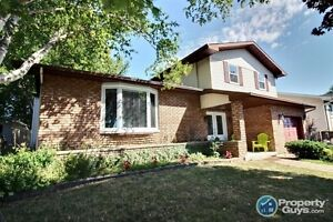 beautiful 5 level split with a water view of the St Lawrence West Island Greater Montréal image 1