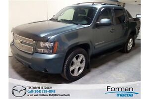 2010 Chevrolet Avalanche 1500 LT - Low KMs   Leather   Clean!