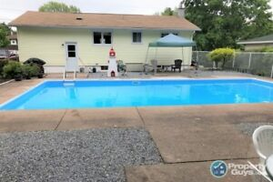 Located in a quiet neighbourhood and close to many amenities