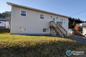 House for Sale  Dunbar Avenue - w/ 1 Bed Income Apartment