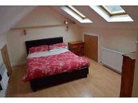 **LIVING ROOM+GARDEN+MASSIVE KITCHEN! DOUBLE FOR SINGLE USE IN STEPNEY! 2 MIN FROM THE STATION!
