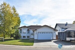 *** OPEN HOUSE *** Stunning home, awesome location!