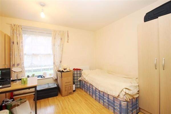 Large 4 Bedroom House - Streatham