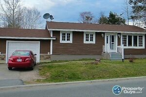 Lovely 3 bed, many upgrades, lots of storage
