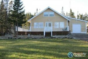 Home or Cottage, you decide!! So much potential.