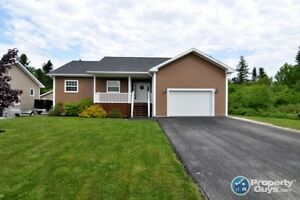 On a quiet cul-de-sac, over 3000 sqft, open concept