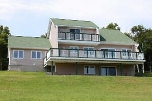 Stunning view of Bay of Fundy, Contemporary Home!