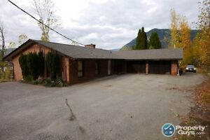 Very private 3 bed home on over 5 acres in Castlegar 197817
