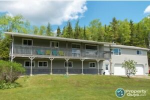 Country living within 25 mins to Saint John. Lots of renos, 5 bd
