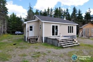 This cabin sits on a nice spot in the Gallants area