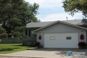This beautiful open concept 5 bdrm/3 bth home is move in ready!