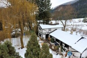 3.42 subdividable acres, 3 bed home Thrums Castlegar 198063