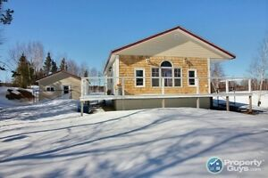 Newly constructed cottage/home. WATERFRONT!