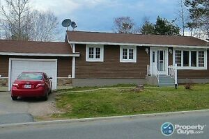 NEW LISTING! Lovely 3 bed, many upgrades, lots of storage