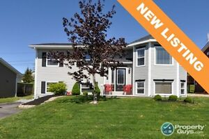 NEW LISTING! Immaculate 4 bed/2 bed family on quiet street