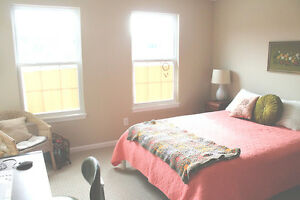 5 Room House -Close to BrockU-St.Catharins - $450 ALL INCLUSIVE