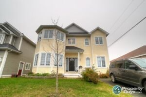 Executive house for lease  East End