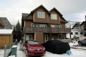 For Sale 4-813 7th Street, Canmore, AB