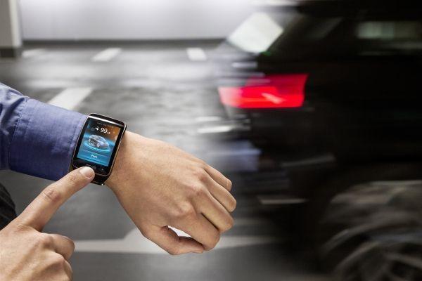 Per Smartwatch das Auto rufen: Mit BMW könnte das möglich werden