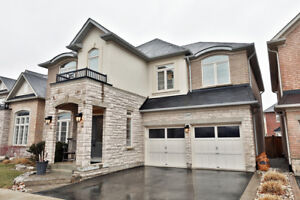 Gorgeous Home In Sought After Alton Village. New White Kitchen,