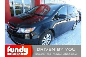 2014 Honda Odyssey SE 8 PASSENGER - POWER SEAT - BACKUP CAMERA!