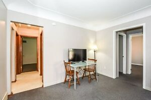 ONE ROOM AVIAIL. FOR MAY 1 - FEMALE STUDENT Kitchener / Waterloo Kitchener Area image 6