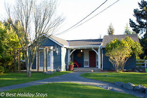 3 bdrm, 2 bath cottage on 1/2 acre in the heart of Parksville
