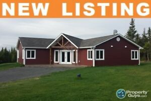 Kings Head - Executive one level living in sought after area!