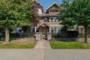 3 bdrm / 3.5 bathrm townhse South Surrey (surrey)