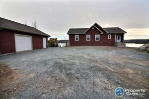 Waterfront chalet style 3 bed/3 bath on Flat Water Pond East