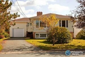 Spacious 4 Bdrm family home with a large fenced yard in Woodlawn