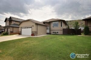 Contemporary Family Home! 4 bed/2 bath, over 2400 sq ft