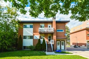 ONE ROOM AVIAIL. FOR MAY 1 - FEMALE STUDENT Kitchener / Waterloo Kitchener Area image 4