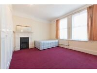 Large studio flat in South Croydon. WATER RATES INCLUDED