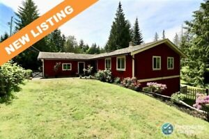 Peaceful quiet & affordable, 5 bdrm/3 bath with income space