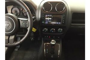 2016 Jeep PATRIOT HIGH ALTITUDE- 4WD! SUNROOF! HEATED SEATS! Belleville Belleville Area image 6