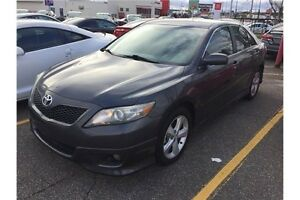 2010 Toyota Camry SE   Power Seats   Alloys   CERTIFIED
