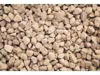 20 mm Cotswold garden and driveway chips/stones