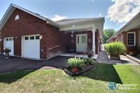 2 Bdrm Brick Bungalow in Bobcaygeon: Mobility-Device Friendly!
