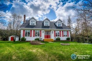 NEW PRICE! Topsail Beach beauty located on quiet cul-de-sac