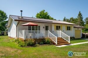 Lovely 2 bedroom + 1 bathroom country bungalow in Alpine Village