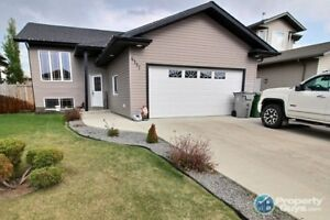 Beautifully finished 1269 sq ft 6 bed, 3 bath home