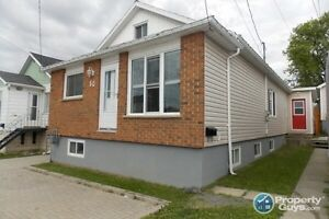 REDUCED TO SELL - Cozy 3 bedrooms, 1 bath house