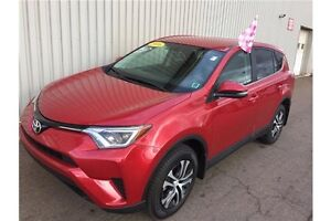 2016 Toyota RAV4 LE LIKE-NEW! ALL WHEEL DRIVE | LOW KMs | FAC...