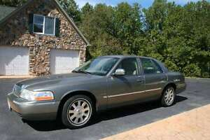 2004 Mercury Grand Marquis gls Sedan