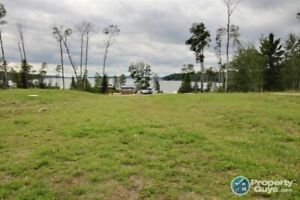 Beautiful Lakeview lot in Lauman's Landing, Lac Des Isles